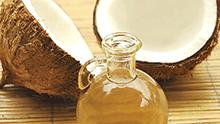 L'huile de coco : le « plus » de votre trousse de toilette