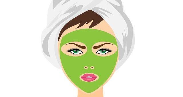 Illustration d'une femme qui a un masque de beauté sur le visage.