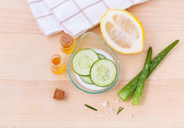 Citron, aloe vera, concombre, miel, la recette parfaite d'un produit cosmétique ?