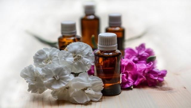 6 huiles essentielles apaisantes pour votre meilleure nuit de sommeil