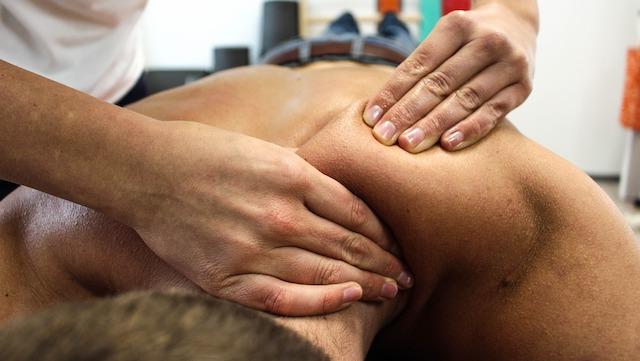Les bienfaits des massages naturistes pour le corps
